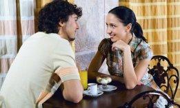 homme-femme-communication-repas